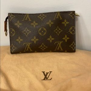 🌟price is firm🌟Louis Vuitton bucket bag pouch